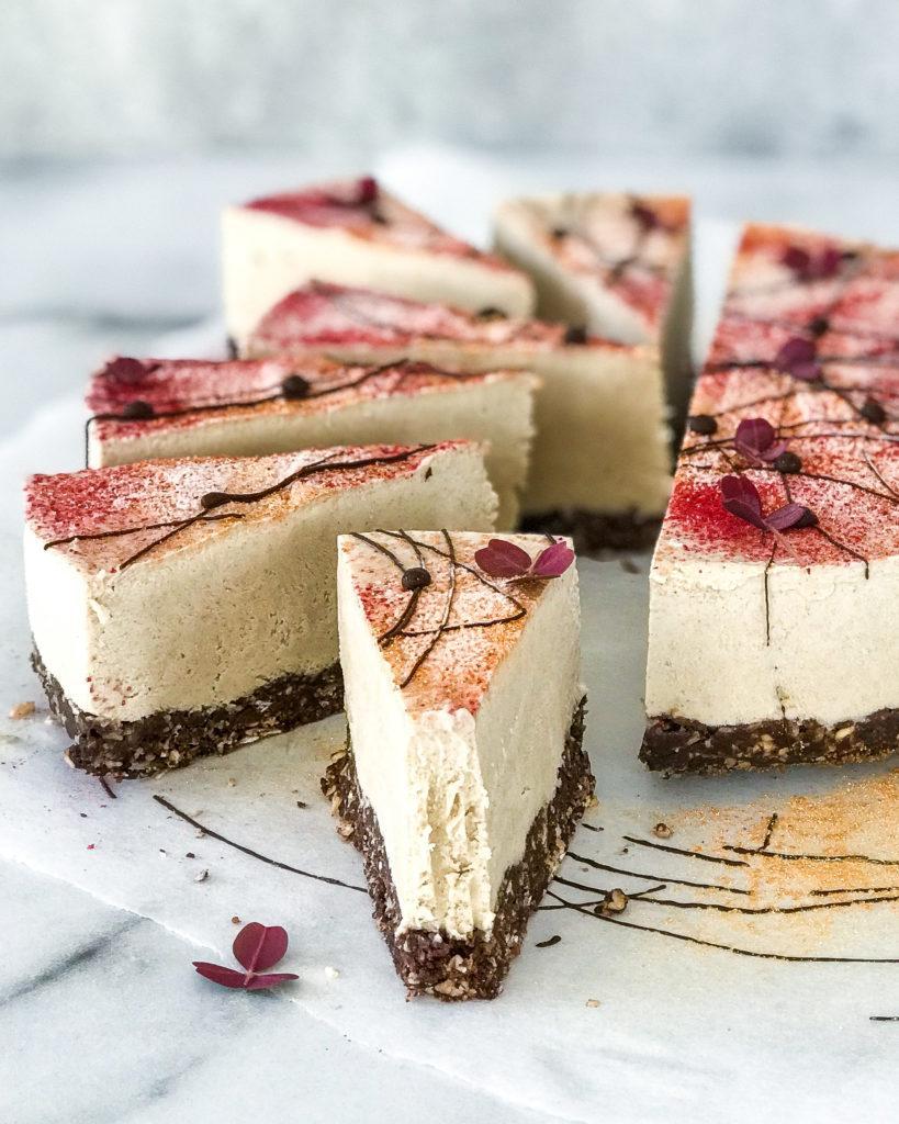 vegansh cheesecake skåret i stykker
