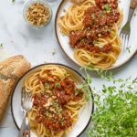 vegansk bolognese med spaghetti