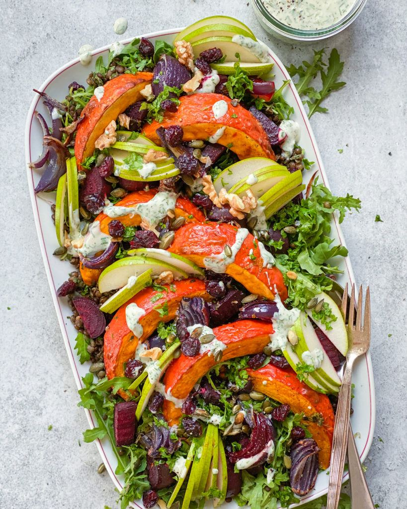 Linsesalat med bagte grøntsager og ranch dressing