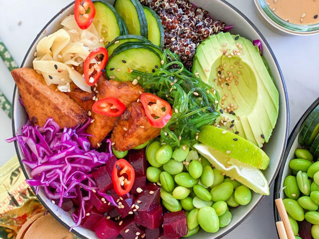 vegansk poke bowl med tofu