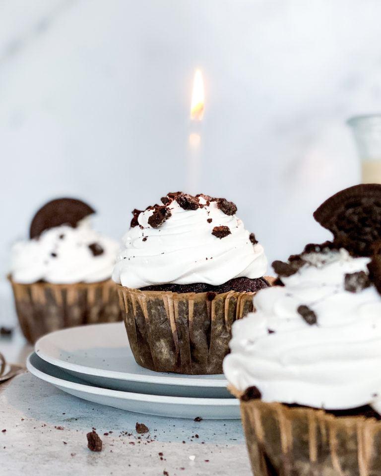 oreo cupcakes med vaniljeskum
