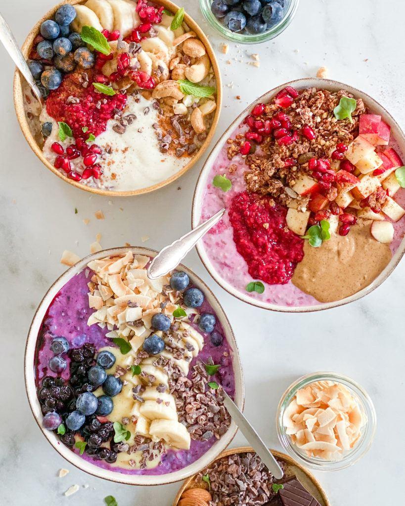 overnight oats i skåle med topping
