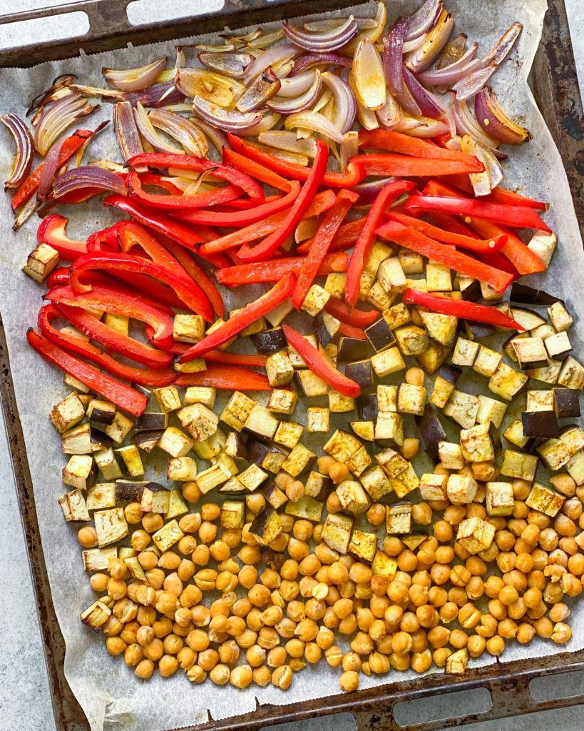 indisk gryderet bagte grøntsager