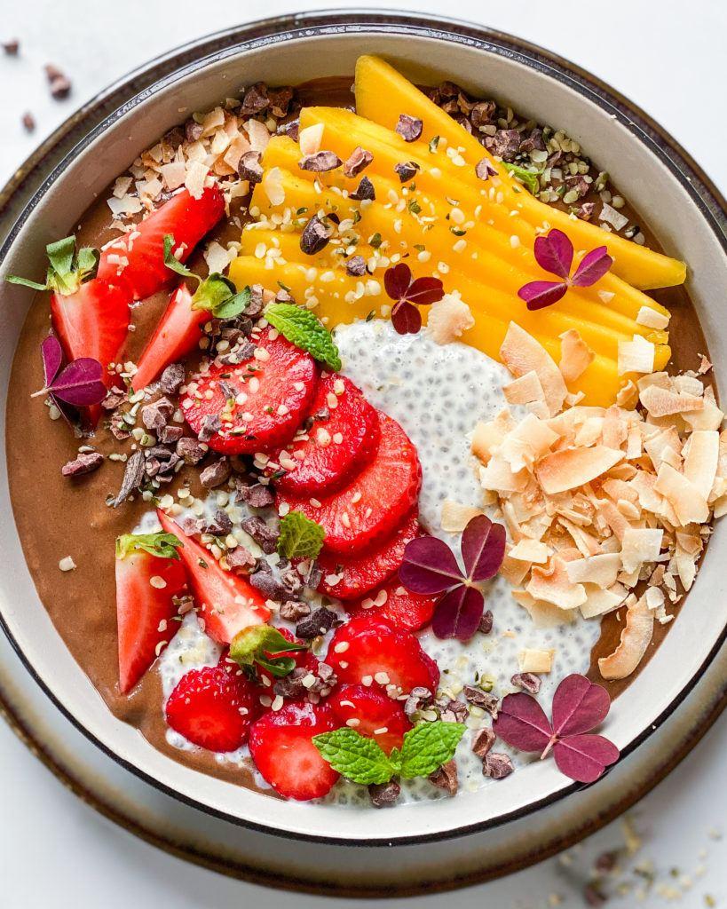 sund smoothiebowl uden banan med topping
