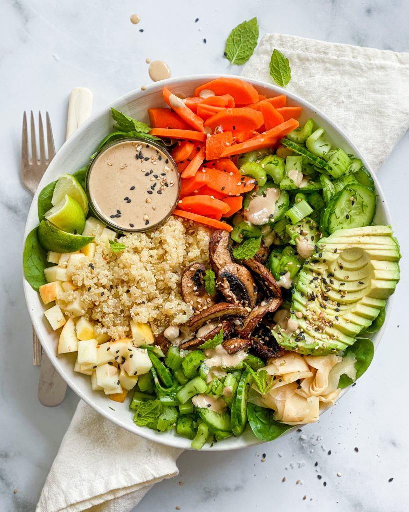 quinoa bowl med svampe