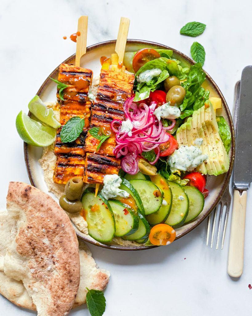 tofu grillspyd med karrymarinade og tilbehør