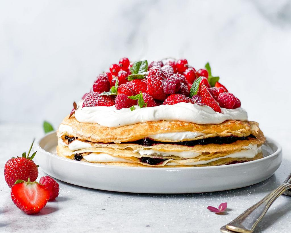 vegansk pandekage kage med bær