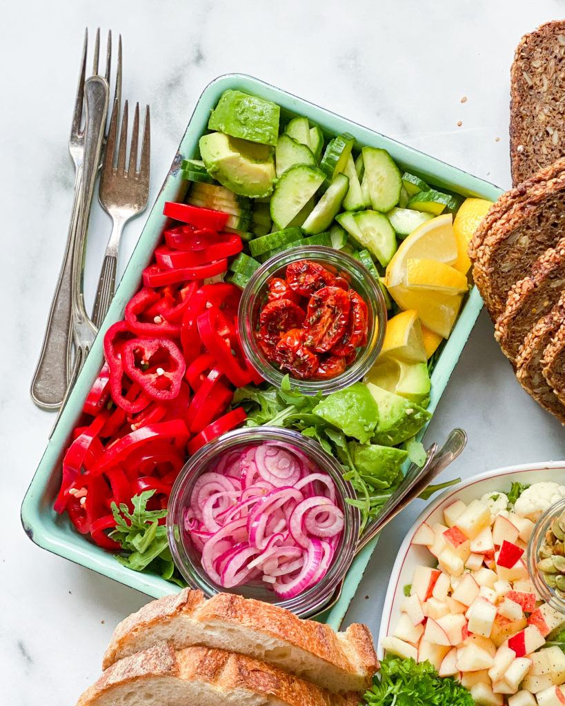 frokost fad lagstidsbagte tomater