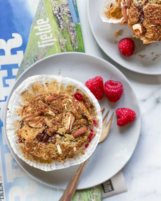 veganske muffins med bær og chokolade